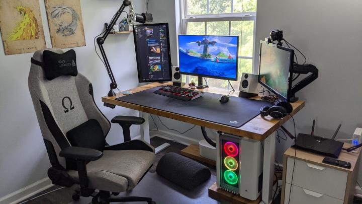 Show_Your_PC_Desk_Part208_76.jpg