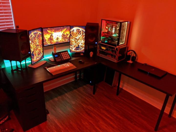 Show_Your_PC_Desk_Part208_97.jpg