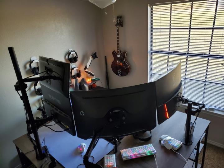 Show_Your_PC_Desk_Part208_98.jpg