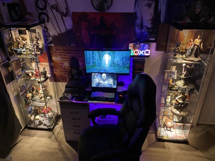 Show_Your_PC_Desk_Part211_02.jpg