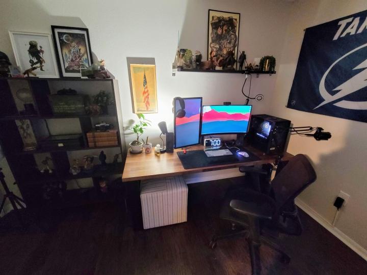 Show_Your_PC_Desk_Part211_04.jpg