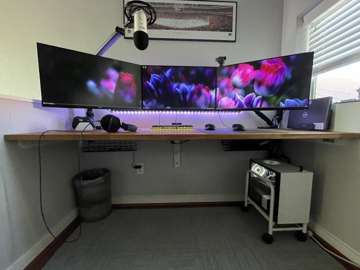 Show_Your_PC_Desk_Part211_100.jpg