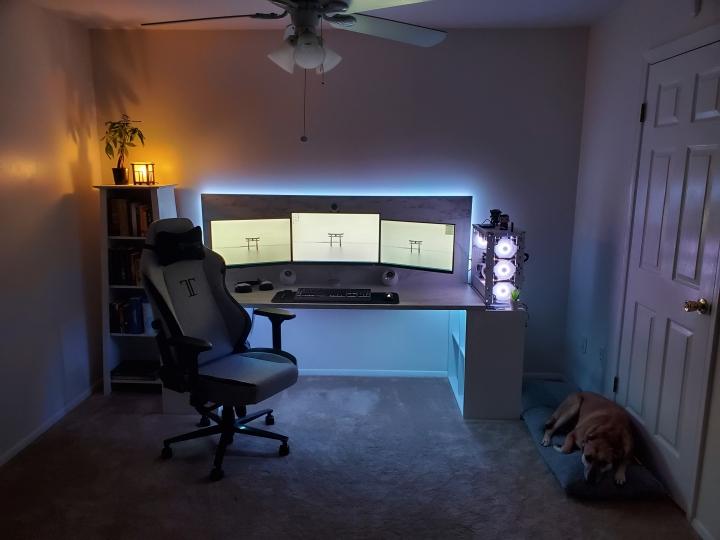 Show_Your_PC_Desk_Part211_11.jpg