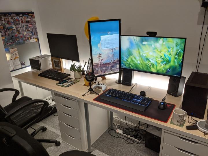 Show_Your_PC_Desk_Part211_14.jpg