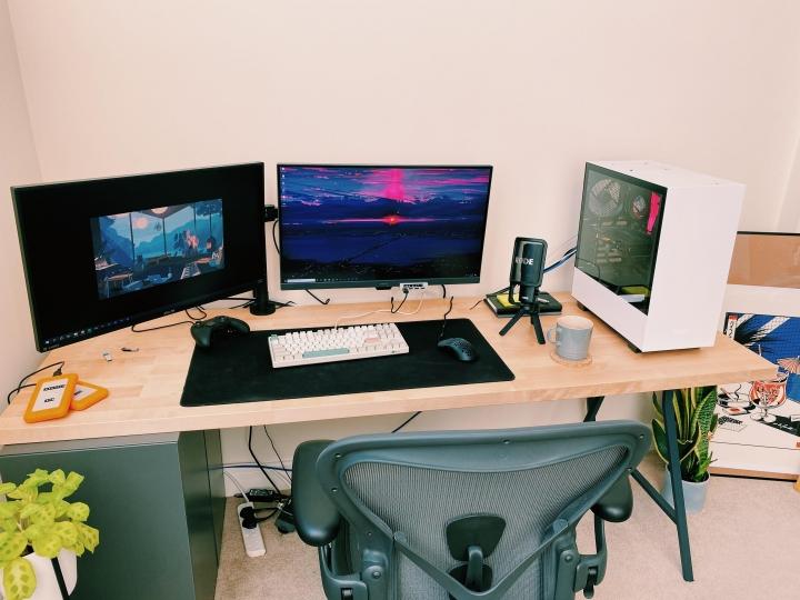 Show_Your_PC_Desk_Part211_17.jpg