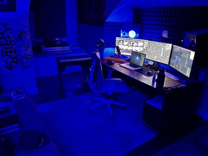 Show_Your_PC_Desk_Part211_40.jpg