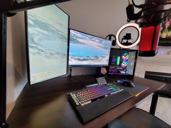 Show_Your_PC_Desk_Part211_59.jpg