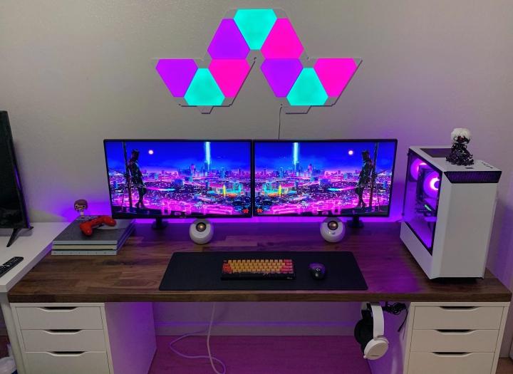 Show_Your_PC_Desk_Part211_76.jpg