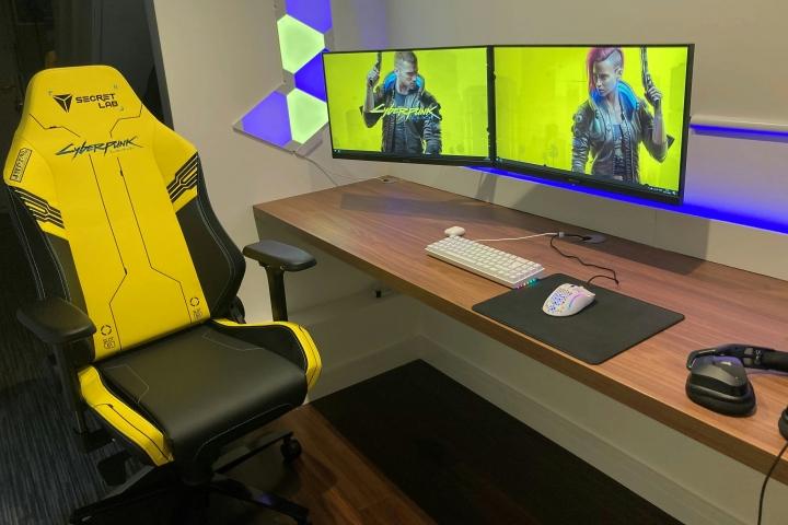 Show_Your_PC_Desk_Part212_01.jpg