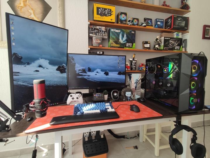 Show_Your_PC_Desk_Part212_12.jpg