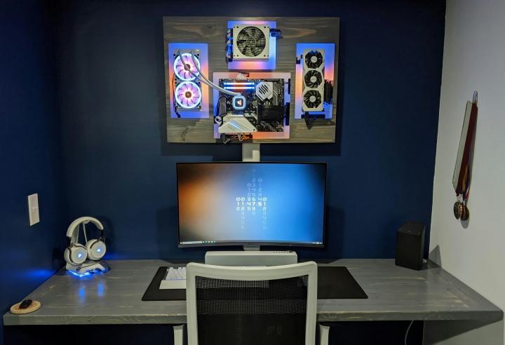 Show_Your_PC_Desk_Part212_13.jpg