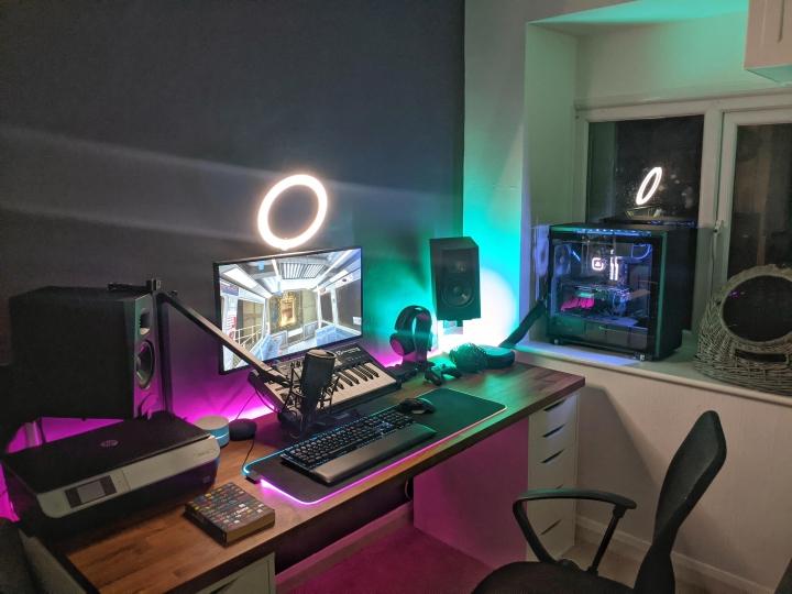 Show_Your_PC_Desk_Part212_39.jpg