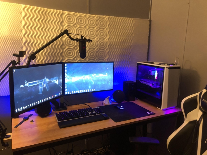 Show_Your_PC_Desk_Part212_40.jpg