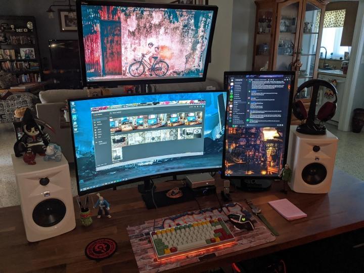 Show_Your_PC_Desk_Part212_69.jpg