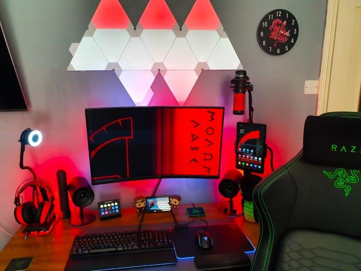 Show_Your_PC_Desk_Part212_82.jpg