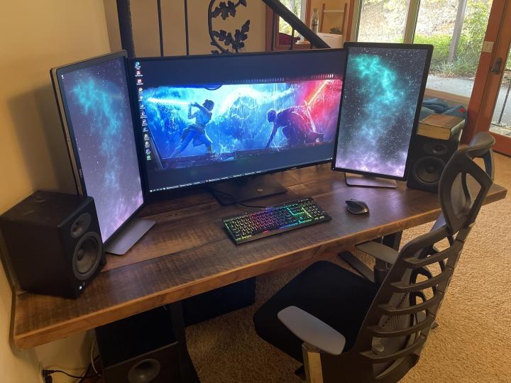 Show_Your_PC_Desk_Part212_96.jpg