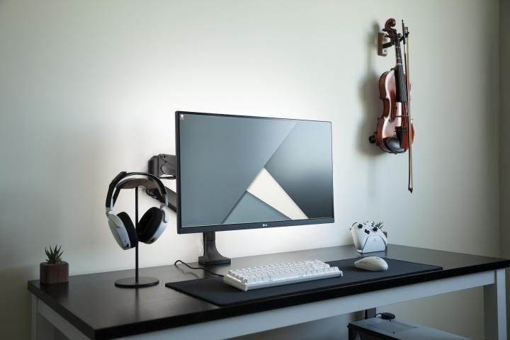 Show_Your_PC_Desk_Part213_01.jpg