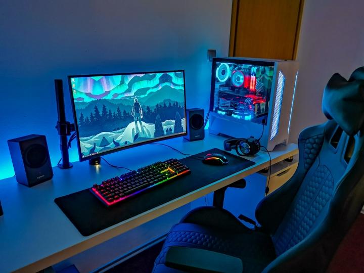 Show_Your_PC_Desk_Part213_19.jpg