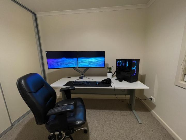 Show_Your_PC_Desk_Part213_25.jpg