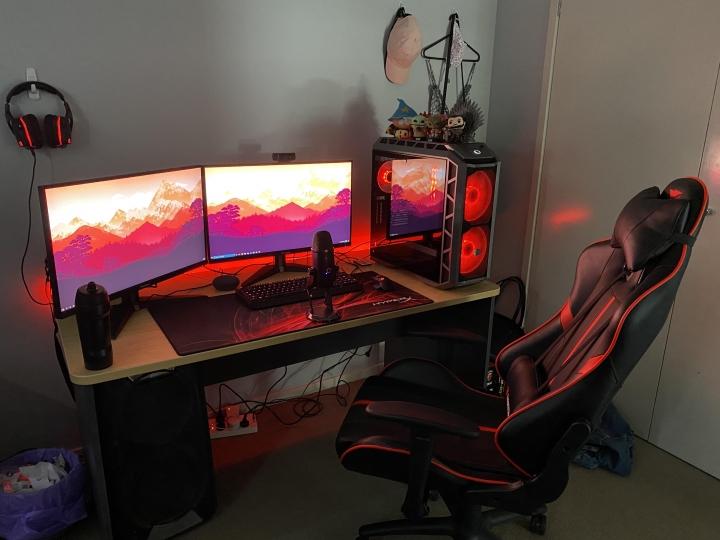 Show_Your_PC_Desk_Part213_26.jpg