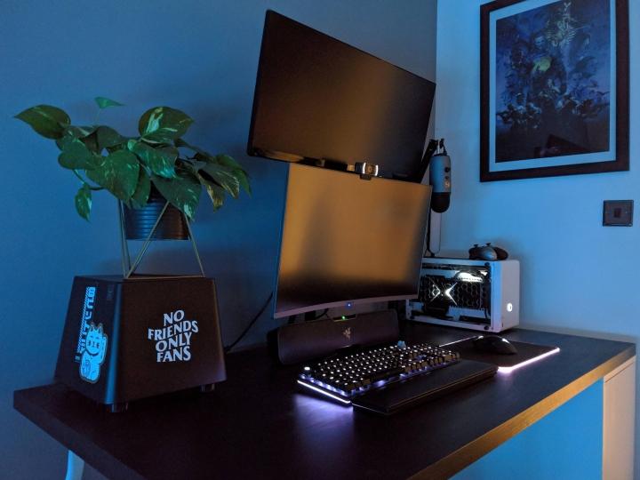 Show_Your_PC_Desk_Part213_64.jpg