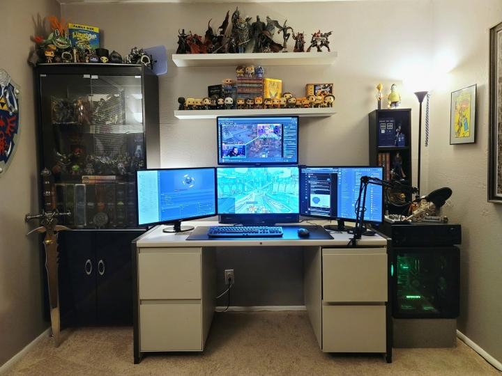 Show_Your_PC_Desk_Part214_06.jpg
