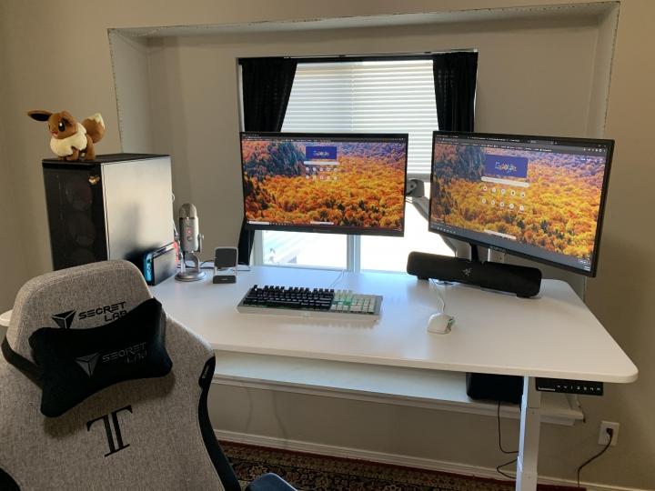 Show_Your_PC_Desk_Part214_09.jpg
