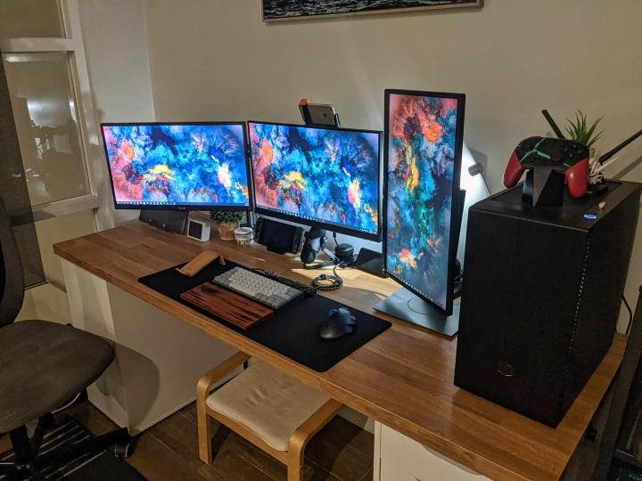 Show_Your_PC_Desk_Part214_26.jpg
