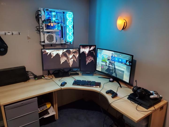Show_Your_PC_Desk_Part214_97.jpg