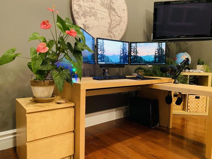 Show_Your_PC_Desk_Part215_03.jpg