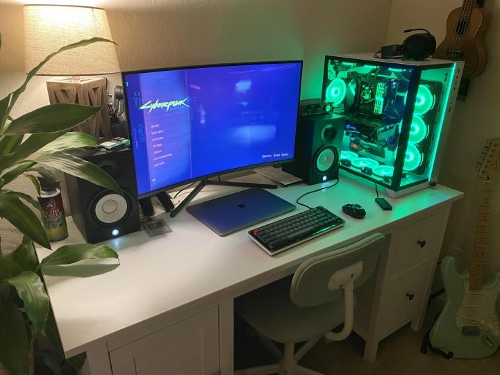 Show_Your_PC_Desk_Part215_13.jpg