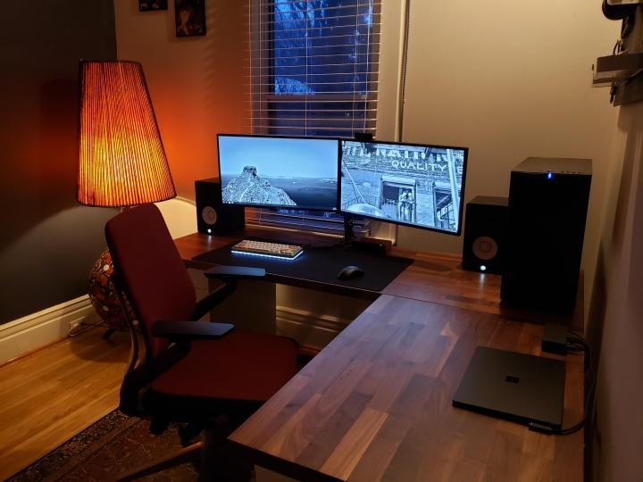 Show_Your_PC_Desk_Part215_33.jpg