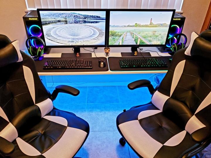Show_Your_PC_Desk_Part215_82.jpg