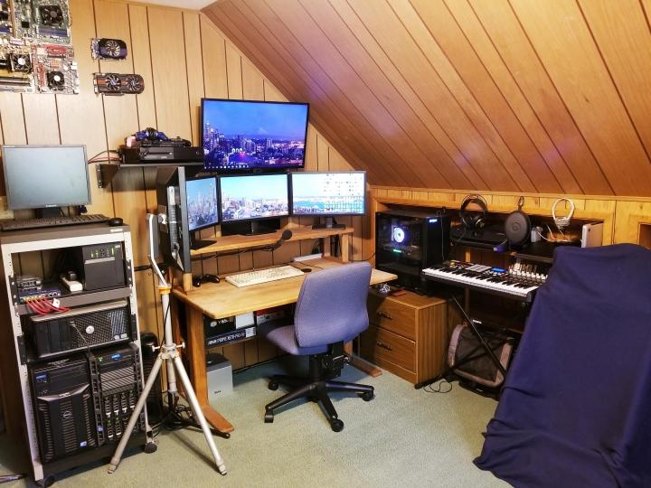 Show_Your_PC_Desk_Part216_28.jpg