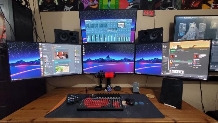 Show_Your_PC_Desk_Part216_30.jpg