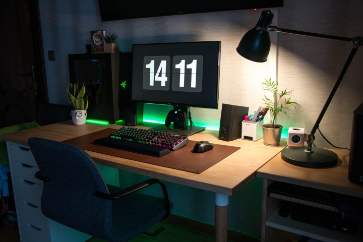 Show_Your_PC_Desk_Part216_72.jpg
