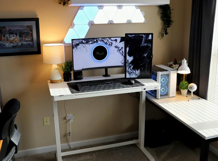 Show_Your_PC_Desk_Part218_06.jpg
