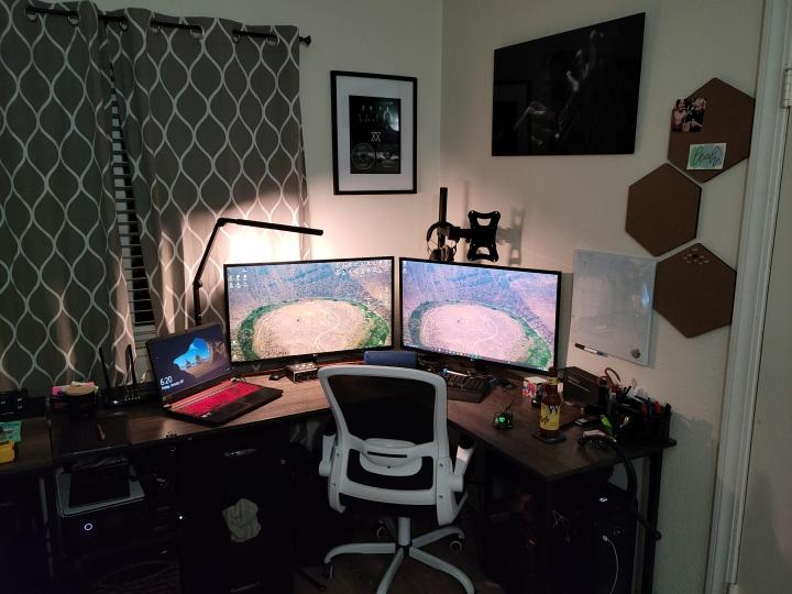 Show_Your_PC_Desk_Part218_100.jpg