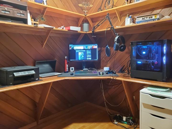 Show_Your_PC_Desk_Part218_14.jpg