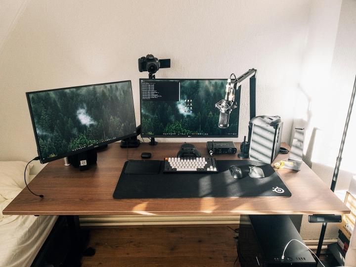 Show_Your_PC_Desk_Part218_21.jpg
