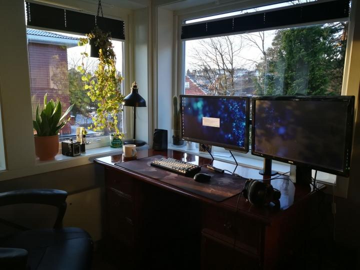 Show_Your_PC_Desk_Part218_57.jpg