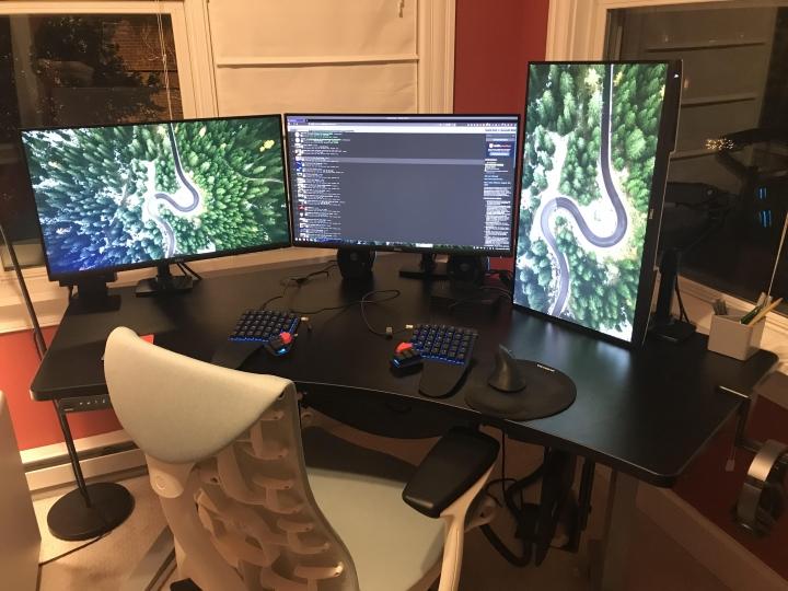 Show_Your_PC_Desk_Part218_84.jpg