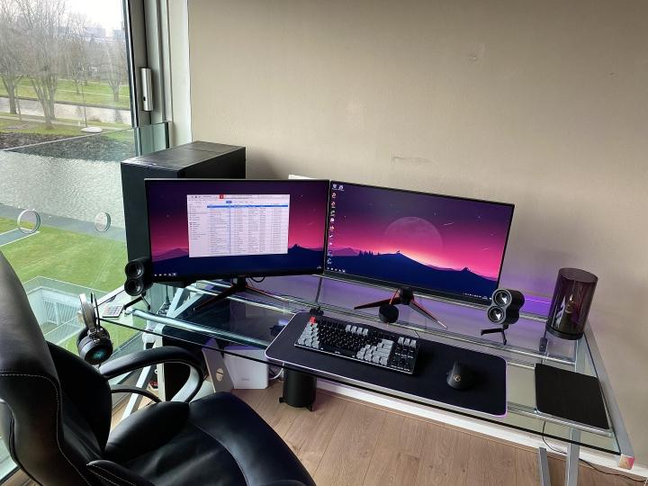Show_Your_PC_Desk_Part219_02.jpg