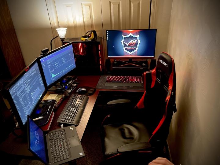 Show_Your_PC_Desk_Part219_04.jpg