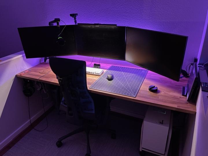 Show_Your_PC_Desk_Part219_06.jpg