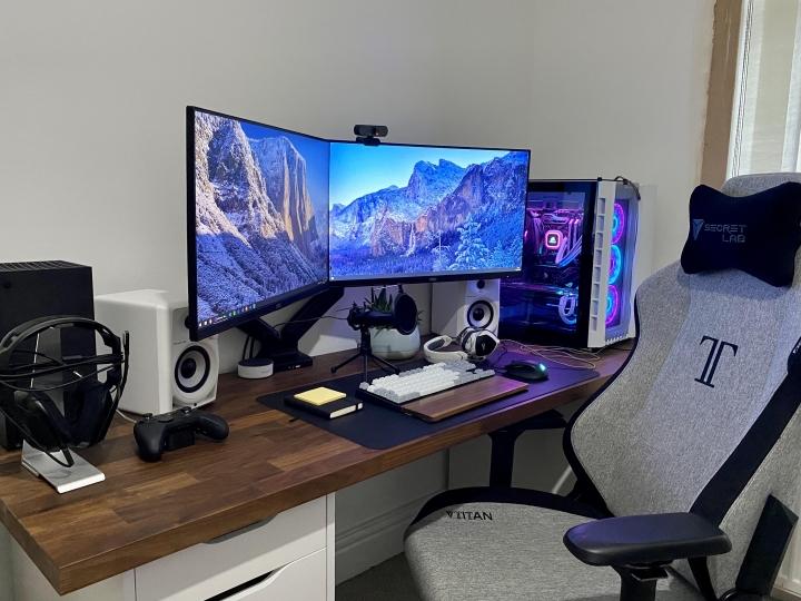 Show_Your_PC_Desk_Part219_16.jpg
