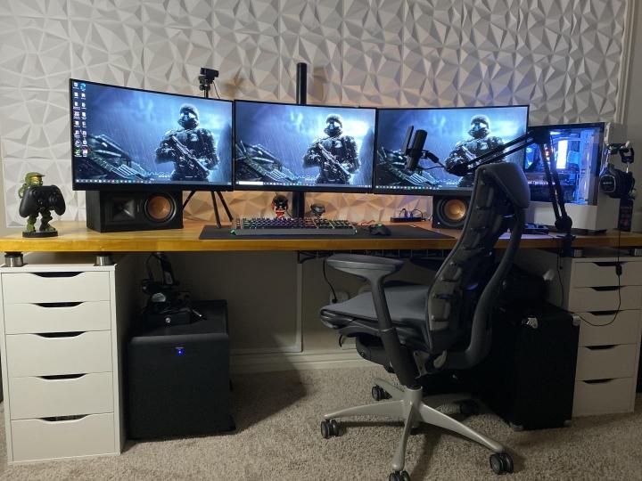 Show_Your_PC_Desk_Part219_24.jpg