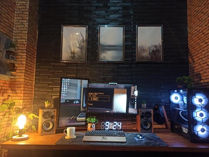 Show_Your_PC_Desk_Part219_36.jpg