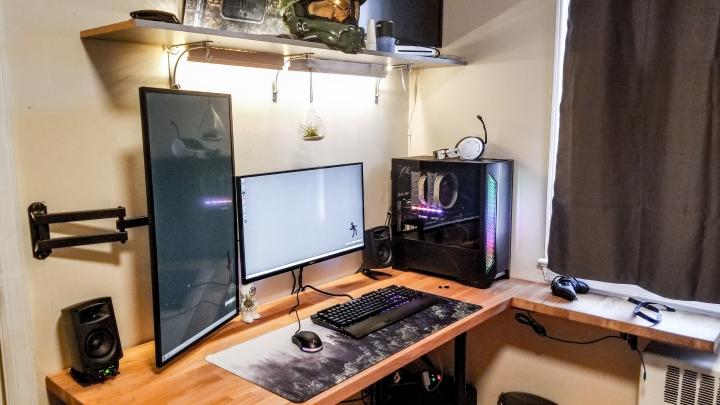 Show_Your_PC_Desk_Part221_06.jpg