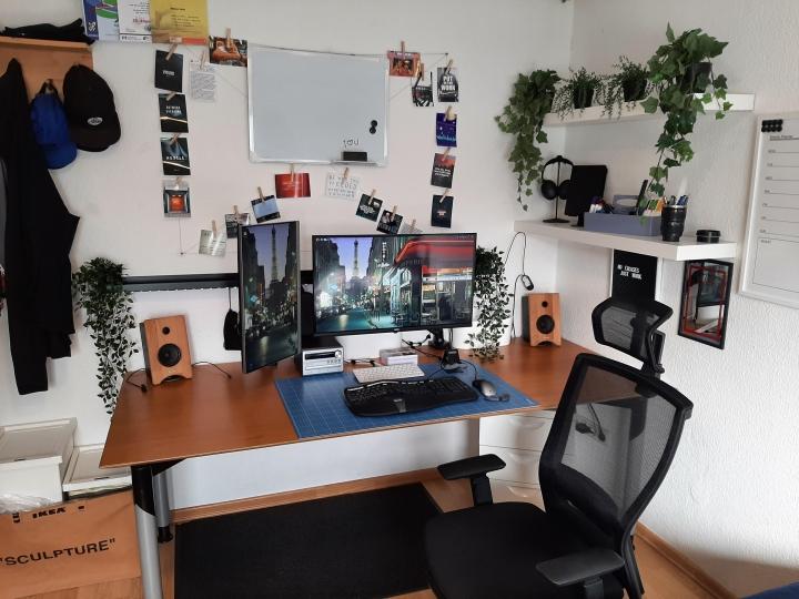 Show_Your_PC_Desk_Part221_09.jpg